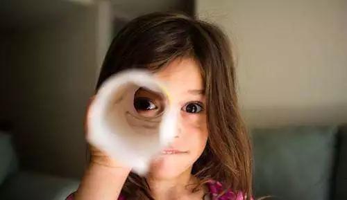 阳光怡然提醒您孩子几岁最容易近视